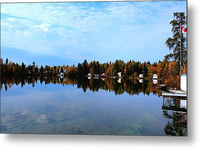 Lake Reflections Metal Print by Larry Trupp