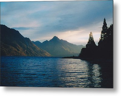 Lake Wakatipu Metal Print by Jon Emery