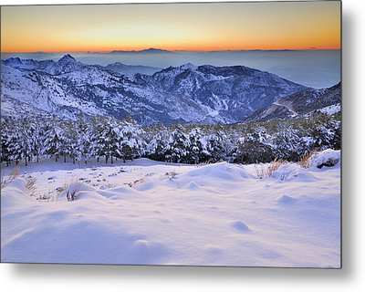 Last Light Of The Day Metal Print by Guido Montanes Castillo