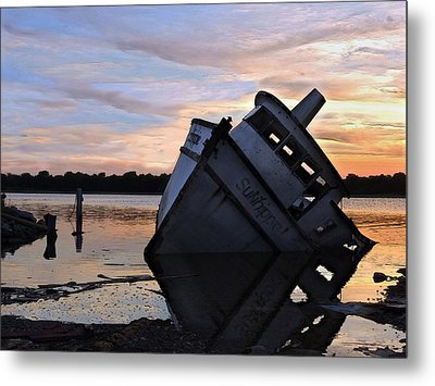 Metal Print featuring the photograph Last Resting Place by Laura Ragland