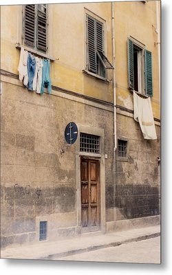 Laundry Day In Verona Metal Print by Suzanne Gaff