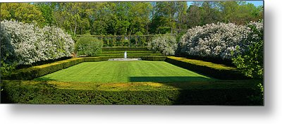 Metal Print featuring the photograph Lawn In Central Park by Yue Wang