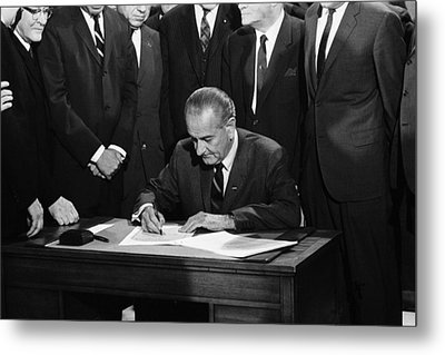 Lbj Signs Civil Rights Bill Metal Print by Underwood Archives Warren Leffler