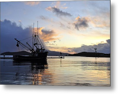 Metal Print featuring the photograph Leaving Safe Harbor by Cathy Mahnke