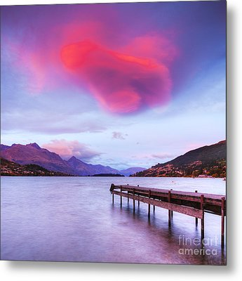 Lenticular Cloud Lake Wakatipu Queenstown New Zealand Metal Print by Colin and Linda McKie