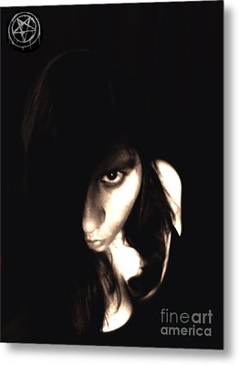 Let The Darkness Take Me Metal Print by Vicki Spindler