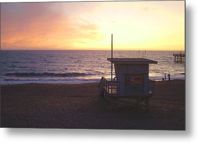 Lifeguard Shack At Sunset Metal Print