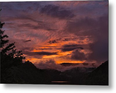Light And Color Show Metal Print by Tom Culver