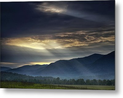 Light From The Heavens Metal Print by Andrew Soundarajan