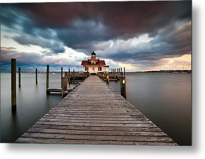 Lighthouse - Outer Banks Nc Manteo Lighthouse Roanoke Marshes Metal Print by Dave Allen