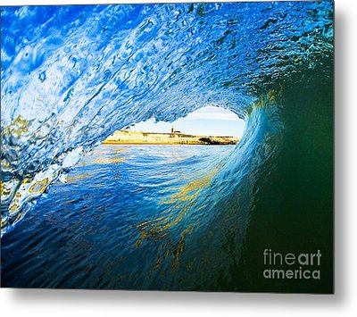 Metal Print featuring the photograph Lighthouse Wave 2 by Paul Topp