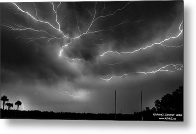 Lightning 2 Metal Print by Richard Zentner