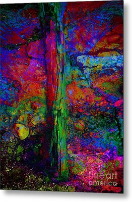 Lightning Strucked Tree Metal Print