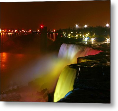 Lights On Niagara Falls Metal Print by Richard Engelbrecht