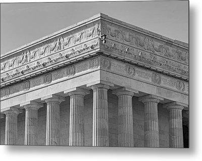 Lincoln Memorial Columns Bw Metal Print by Susan Candelario