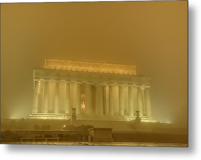 Lincoln Memorial In The Fog Metal Print by Metro DC Photography