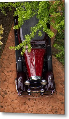 Lincoln Town Car Metal Print by Thomas Woolworth