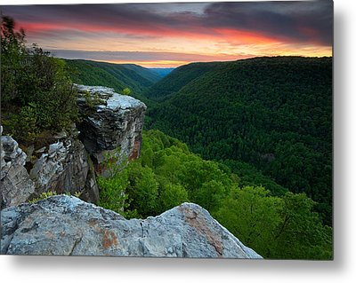 Lindy Point Sunset Metal Print by Bernard Chen