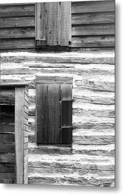 Log Cabin Walls 4 Bw Metal Print by Mary Bedy