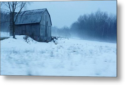 Lomesome Hip Roofed Barn Over Looking The Back Forty Metal Print by Rosemarie E Seppala