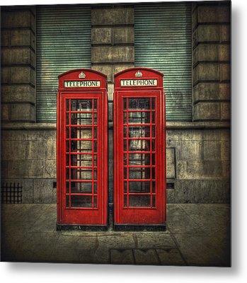 London Calling Metal Print by Evelina Kremsdorf