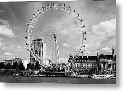 Metal Print featuring the photograph London Eye Head-on Bw by Matt Malloy