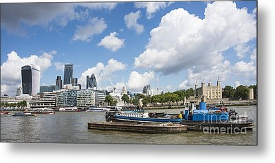 London Panoramic Metal Print by Donald Davis