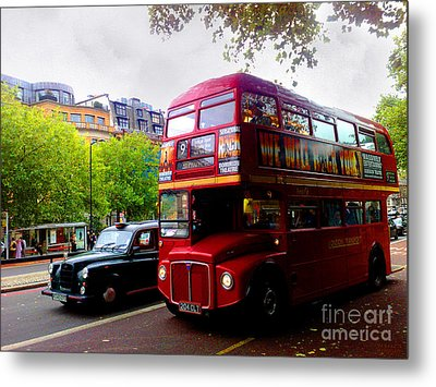 London Taxi And Bus Metal Print by Hanza Turgul