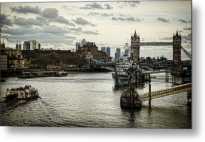 London Thames Scape Metal Print by Heather Applegate
