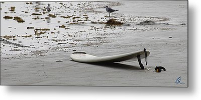 Lonely Surfboard Lg Metal Print by Chris Thomas