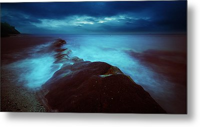 Metal Print featuring the photograph Lonely Twilight Tide by Afrison Ma