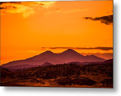 Longs Peak Smoke And Sunset Metal Print by Rebecca Adams