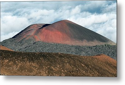Metal Print featuring the photograph Looking Down by Jim Thompson
