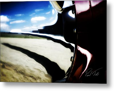Metal Print featuring the photograph Looking Forward by Paul Job