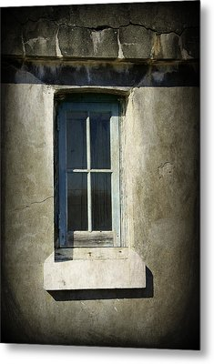 Looking Inwards Metal Print by Marilyn Wilson