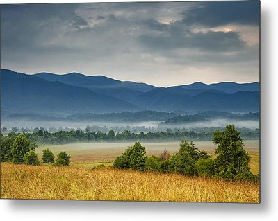 Looking To The Mountains Metal Print by Andrew Soundarajan