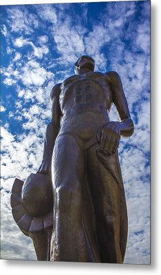 Looking Up At The Spartan Statue Metal Print