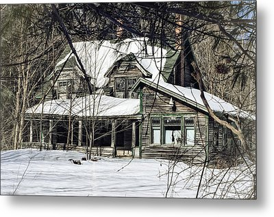 Lost In Time Metal Print by Susan Capuano