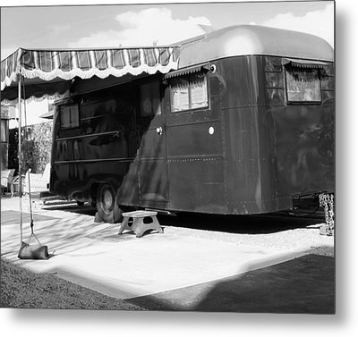 Love Shack Bw Palm Springs Metal Print by William Dey