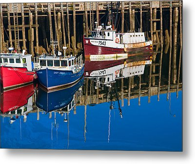 Boats And Reflections At Low Tide On Digby Bay Nova Scotia Metal Print