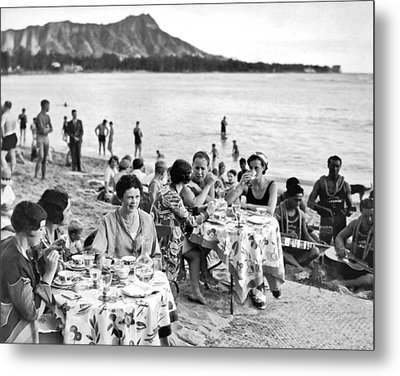 Lunch On Waikiki Beach Metal Print by Underwood Archives
