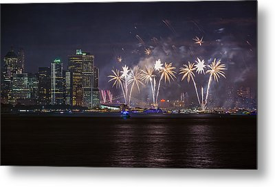 Macy's 4th Of July Fireworks  Metal Print by Eduard Moldoveanu