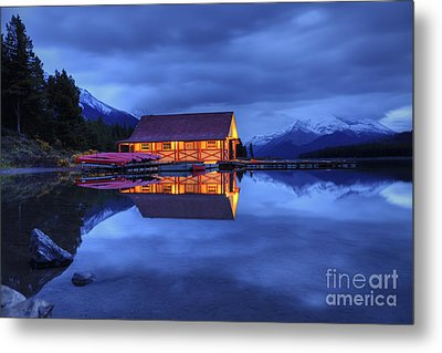 Maligne Lake Boat House Before Dawn Metal Print by Dan Jurak