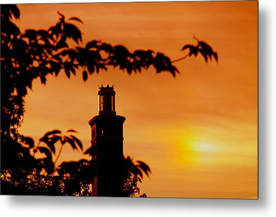 Metal Print featuring the photograph Mamaroneck Lighthouse Nearing Sunset by Aurelio Zucco