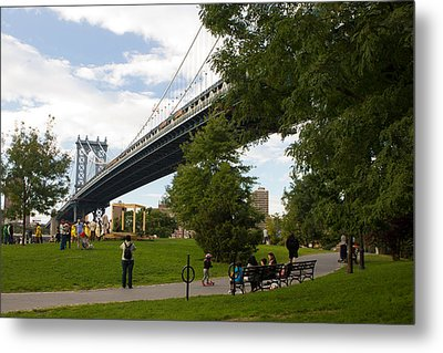 Metal Print featuring the photograph Manhattan Bridge And Park by Jose Oquendo
