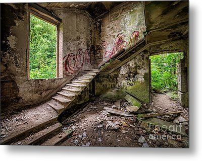 Mansion Graffiti Metal Print
