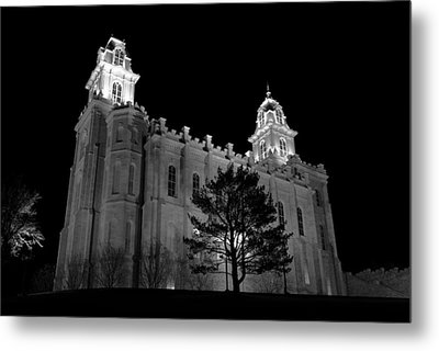 Manti Temple Black And White Metal Print by David Andersen