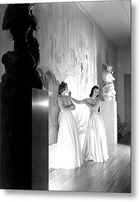 Margery Abbet And Patricia Delehanty At The River Metal Print by Horst P. Horst