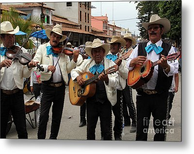 Mariachis At The Fiesta De San Jose Metal Print by Linda Queally