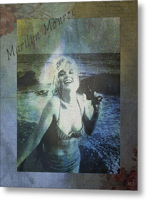 Marilyn Monroe At The Beach Metal Print